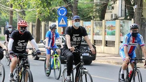 Liên minh Visegrad đạp xe hưởng ứng ngày Xe đạp Quốc tế