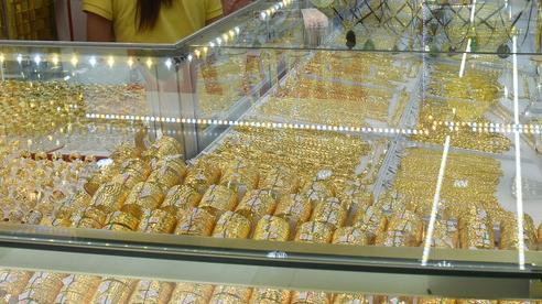 Giá vàng hôm nay 7-6: Vàng SJC, PNJ đồng loạt giảm mạnh