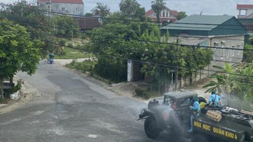 Nghệ An chi viện 52 'quân tình nguyện' đến Hà Tĩnh chống dịch