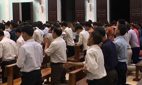 Linh mục tổ chức lễ trong lúc dịch Covid-19 phức tạp bị phạt 7,5 triệu đồng