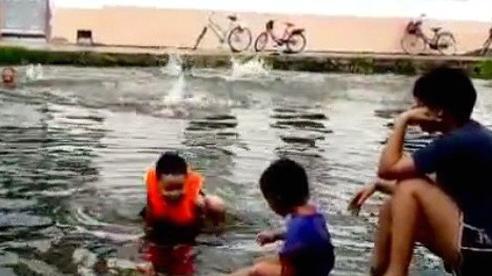 Hải Dương: Tắm ao nhà hàng xóm, bé gái 5 tuổi đuối nước thương tâm
