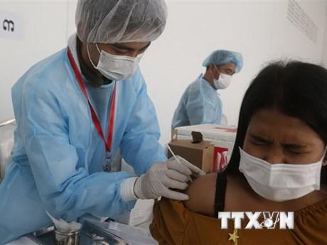 Campuchia hoàn tất tiêm ngừa COVID-19 ở thủ đô vào ngày 8/7