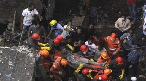 Ấn Độ: Sập nhà ở thành phố Mumbai, nhiều trẻ em thiệt mạng