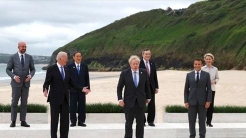 Thượng đỉnh G7: Các nhà lãnh đạo chụp 'ảnh gia đình' trước phiên thảo luận