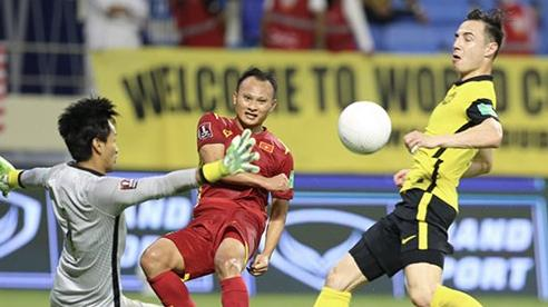 Việt Nam - Malaysia: Tấn Trường xuất sắc, đội tuyển Việt Nam giữ vững ngôi số 1 bảng G