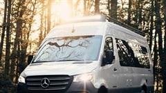 Mercedes Sprinter được hãng Airstream nâng cấp thành xe dã ngoại đầy đủ trang bị tiện nghi