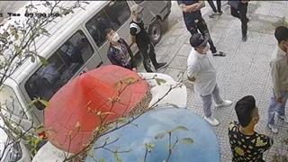 Hà Đông, Hà Nội: Nhà đang ở bỗng bị phá khóa, chiếm giữ