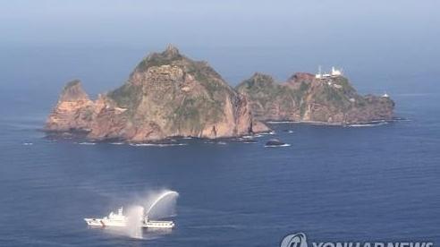 Hàn Quốc đem quân đến quần đảo tranh chấp, Nhật Bản đơn phương hủy bỏ cuộc gặp Moon-Suga
