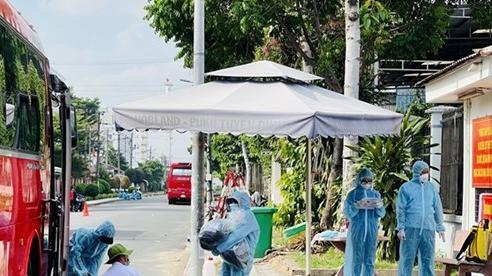 Bình Dương: Đưa 600 công nhân Công ty TNHH Puku Việt Nam đến khu cách ly tập trung