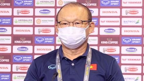 HLV Park Hang Seo: Tuyển Việt Nam đừng nghĩ thủ hòa UAE!