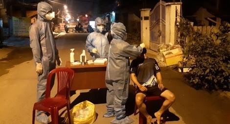 Phát hiện 2 người dương tính với COVID-19 tại phường Thạnh Xuân, quận 12