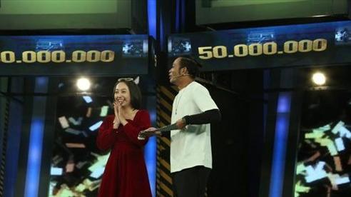 Dù vắng mặt nhưng Võ Hoàng Yến vẫn bị Ngô Kiến Huy 'nói xấu' trên sóng truyền hình