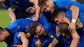 Thắng Thụy Sĩ 3-0, tuyển Ý vào vòng 2 trong tư thế ứng cử viên vô địch