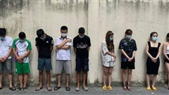 Hà Nội: Phát hiện 42 đối tượng đang 'bay lắc' trong quán karaoke ở Sóc Sơn