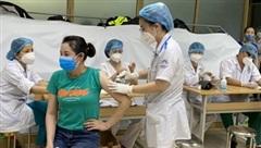 Nồng độ virus ở nhân viên y tế đã tiêm vaccine thấp