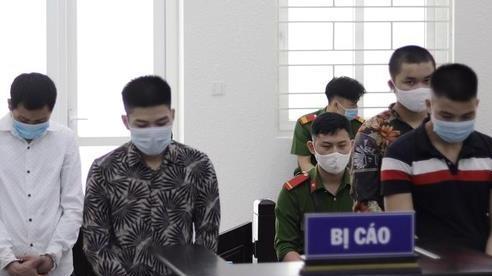 Giết đồng nghiệp, bốn thanh niên lần lượt dắt nhau vào tù