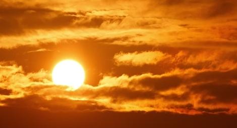 Miền Bắc nắng nóng đỉnh điểm, nhiều nơi trên 40 độ C
