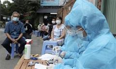 TP HCM cảnh báo: 'Mầm bệnh lây lan, ai cũng có thể là F0'
