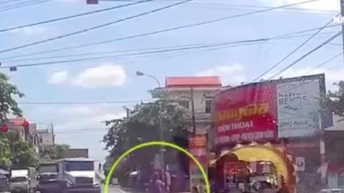 Nóng trên đường: Khi đèn giao thông như 'tàng hình'