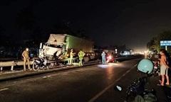 Ôtô tải tông chết tài xế xe container rồi bỏ chạy khỏi hiện trường