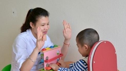 Đề xuất kinh phí trợ giúp và phục hồi chức năng cho trẻ em tự kỷ