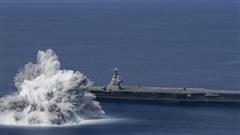 Thử kích nổ cạnh tàu sân bay Mỹ