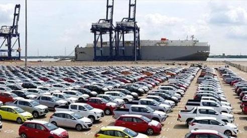 Ô tô nguyên chiếc nhập khẩu từ Trung Quốc ồ ạt vào Việt Nam