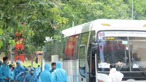 Phú Thọ đón hơn 200 công dân từ Bắc Giang về tỉnh cách ly