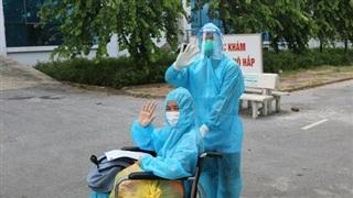 Bệnh nhân Covid-19 nguy kịch phải 6 lần lọc máu được xuất viện