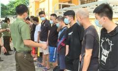 Trục xuất 66 người Trung Quốc về nước