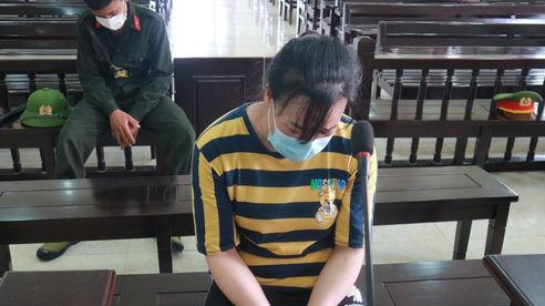 'Mẹ mìn' rơi nước mắt lo các con trở thành nạn nhân của kẻ buôn người