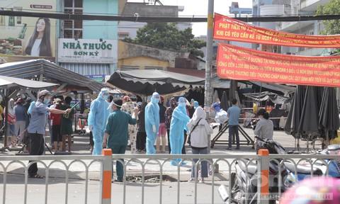 TPHCM: Phong tỏa tạm thời chợ Sơn Kỳ, lấy mẫu xét nghiệm người dân