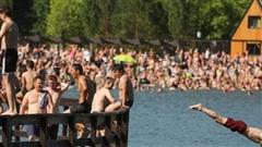 Thủ đô Nga trải qua ngày tháng 6 nóng nhất 120 năm qua