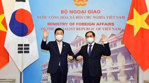 Hàn Quốc hỗ trợ Việt Nam tiếp cận nguồn vắc xin Covid-19