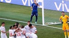 Tây Ban Nha và Thụy Điển dắt tay nhau qua vòng bảng