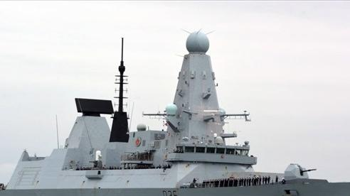 Đụng độ Nga-Anh trên Biển Đen: Nga bắn đạn, thả bom cảnh cáo, Anh gạt phăng, Ukraine tranh thủ tố Moscow gây hấn