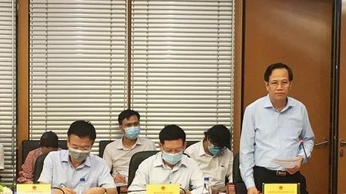Chậm tiêm vắc xin phòng Covid-19 sẽ khiến Việt Nam 'thất thế', giảm hấp dẫn