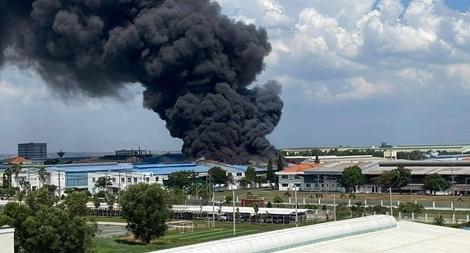 Cháy lớn tại Khu công nghiệp Long Bình, Đồng Nai