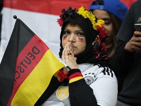 Tâm trạng trái ngược của CĐV Anh và Đức sau trận đấu ở Wembley