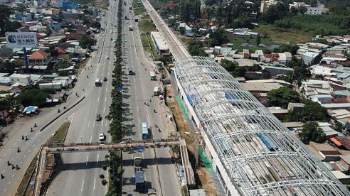 TP Hồ Chí Minh: Dừng nhiều dịch vụ tư vấn từ 2/7, metro số 1 lại…lùi đích?