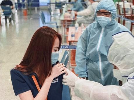 Toàn bộ nhân viên phục vụ khách Pacific Airlines tiêm vaccine COVID-19