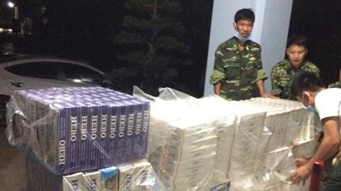 BĐBP Tây Ninh: Một đêm bắt 2 vụ buôn lậu, thu giữ 14.200 gói thuốc lá ngoại