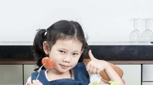 Cách nuôi dưỡng, chăm sóc trẻ em an toàn trong đại dịch