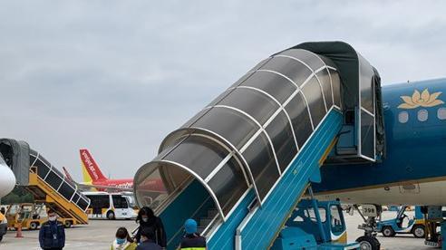 Giảm tải cung ứng đường bay thành phố Hồ Chí Minh - Hà Nội và ngược lại