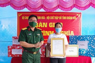 Bộ CHQS Khánh Hòa tặng nhà tình nghĩa cho gia đình thân nhân liệt sĩ