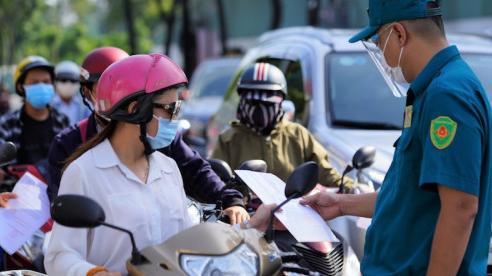 TP Hồ Chí Minh: Bỏ kiểm tra giấy xét nghiệm với ngườira đường có lý do chính đáng