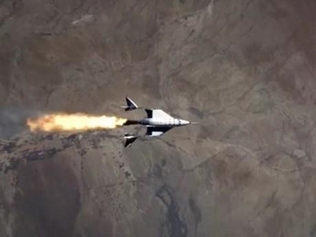 Mở cánh cửa tương lai từ cuộc đua bay vào không gian của các tỷ phú