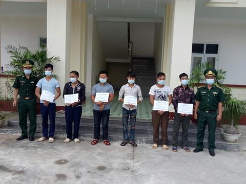 Trốn trong rừng 3 ngày chờ vượt biên trái phép, 7 người vẫn bị bắt
