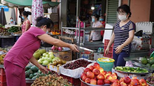TP HCM mở 35 cửa hàng bán rau củ xuyên đêm, thêm 1 chợ hoạt động trở lại
