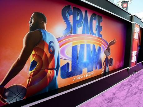 'Space Jam' tái xuất, soán ngôi đầu Bắc Mỹ của 'Góa phụ đen'